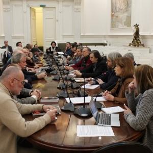 Круглый стол исследовательского выставочного проекта «Красные ворота / Против течения»