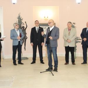 «Служение искусству». Выставка произведений Олега Закоморного в Московской городской Думе