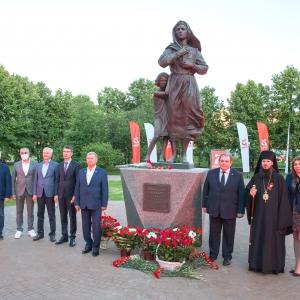 В Тольятти открыли памятник «Ожидание солдата» работы Президента РАХ З.К.Церетели