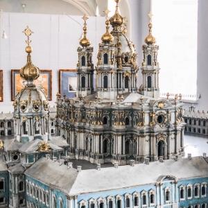 Постоянная экспозиция НИМ РАХ «Петербург в архитектурных моделях и чертежах».