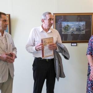 Выставка произведений Олега Леонова в Мосгодуме