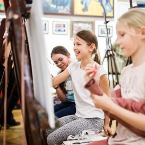 Мастер-класс З.К.Церетели для учащихся детской студии Московского музея современного искусства.