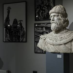 Выставка произведений Салавата Щербакова в музейно-храмовом комплексе «Дорога памяти»