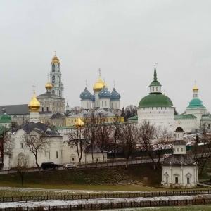 Архитектурный ансамбль Троице-Сергиевой лавры. Вид со смотровой площадки.