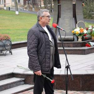 Памятник А.И. Солженицыну созданный З.К.Церетели открыли в Кисловодске.