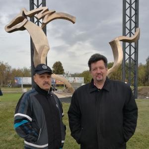 Въездная группа в г.Бронницы. Скульптор И.А Бурганов, художник РАХ  Ю.В.Менчиц, архитектор О.Распопов.