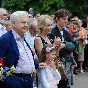 В Саратове открыт памятник Олегу Табакову работы А.А.Щербакова