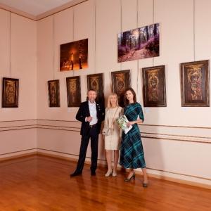 «РУСЬ». Выставка произведений Александра и Елены Тихомировых в Париже.